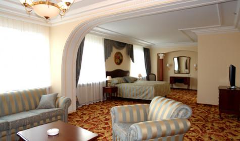 Какие отели у метро Измайловская в Москве идеальны для временного проживания?