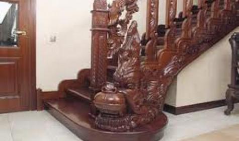 Резной декор деревянных лестниц