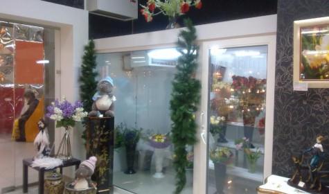 Торговое оборудование: холодильная камера для цветов